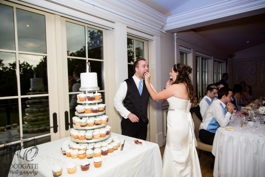 wedding cake london ontario highland ontario wedding photography 908 23095